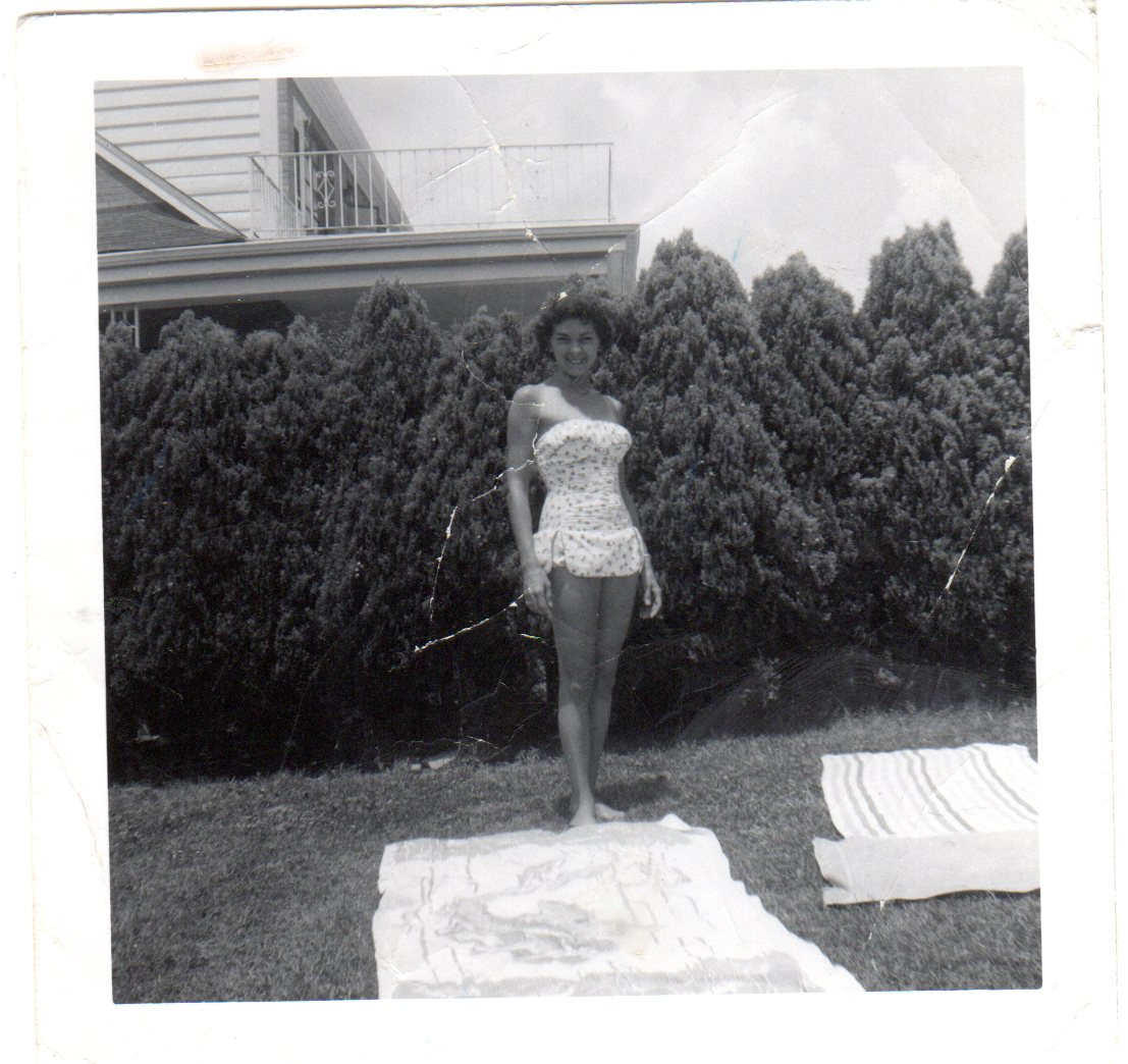 Helen-Cerchio-swimsuit